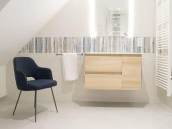 Salle de bain bois clair meuble